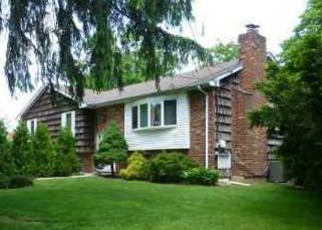 Foreclosed Home in GREENLAWN RD, Huntington, NY - 11743