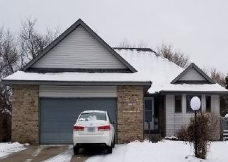 Foreclosed Home en OAK GLEN DR, Stillwater, MN - 55082