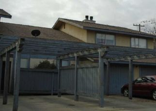 Foreclosed Home en N 19TH AVE, Lemoore, CA - 93245