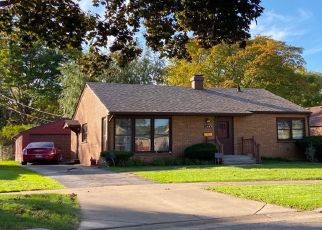 Foreclosed Home en S DU BOIS AVE, Elgin, IL - 60123