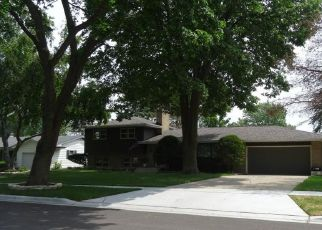 Foreclosed Home en DIANE AVE, Elgin, IL - 60123