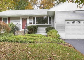 Foreclosed Home en WANTAUGH AVE, Poughkeepsie, NY - 12603