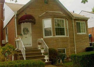 Foreclosed Home en MORGAN AVE, Bronx, NY - 10469