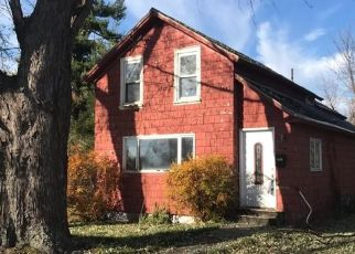 Foreclosed Home en PINE ST, Watertown, NY - 13601