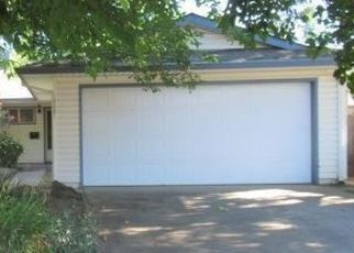 Foreclosed Home en VAN STRALEN WAY, Rancho Cordova, CA - 95670