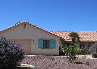Foreclosed Home en CUYAMA PL, Apple Valley, CA - 92307