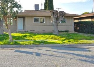 Foreclosed Home en FLORES ST, San Bernardino, CA - 92411