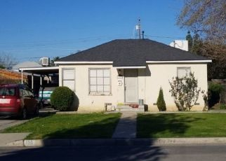 Foreclosed Home en SPRUCE ST, Bakersfield, CA - 93304