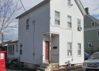 Foreclosed Home en CLOVE AVE, Haverstraw, NY - 10927