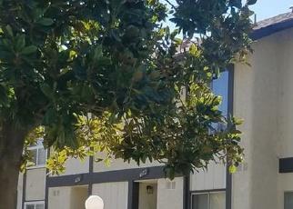 Foreclosed Home en MAXWELL CT, Riverside, CA - 92501