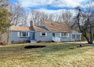 Foreclosed Home en MOUNT VERNON DR, East Granby, CT - 06026