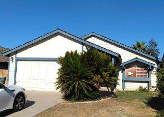 Foreclosed Home en LA COSTA ST, Bakersfield, CA - 93306