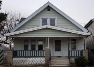Foreclosed Home en S 72ND ST, Milwaukee, WI - 53219