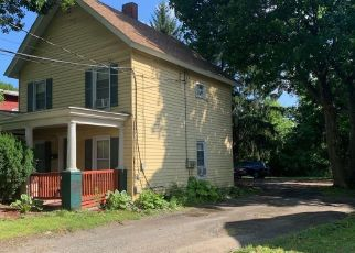 Foreclosed Home en CHESTNUT ST, Oneonta, NY - 13820