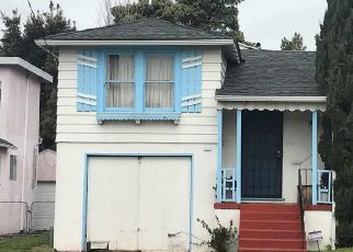Foreclosed Home en 106TH AVE, Oakland, CA - 94605