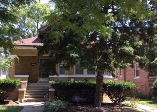 Foreclosed Home en S 12TH AVE, Maywood, IL - 60153