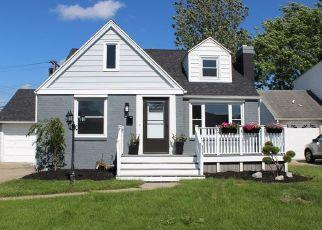 Foreclosed Home en CORNWALL AVE, Tonawanda, NY - 14150