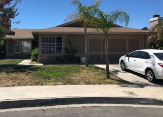 Foreclosed Home en WISTERIA LN, Highland, CA - 92346