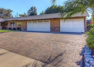 Foreclosed Home en E DENISE AVE, Orange, CA - 92867