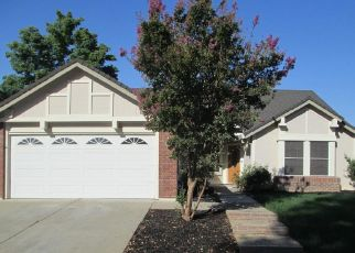 Foreclosed Home en CORD WAY, Sacramento, CA - 95828