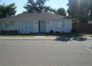 Foreclosed Home en N HUNTER ST, Stockton, CA - 95204