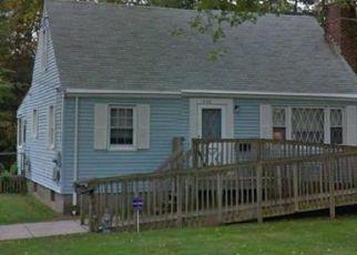Foreclosed Home en BECKER CIR, Windsor, CT - 06095