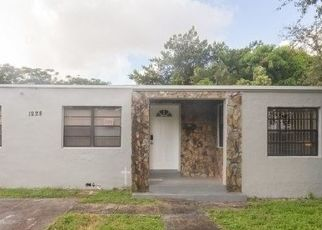 Foreclosed Home en NW 43RD ST, Miami, FL - 33142