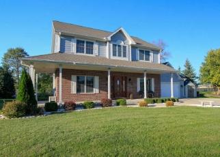 Foreclosed Home en W HIGHLANDS DR, Franklin, WI - 53132