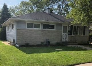 Foreclosed Home en S 67TH ST, Milwaukee, WI - 53219