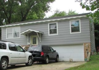 Foreclosed Home en GREENWOOD AVE, Hanover Park, IL - 60133