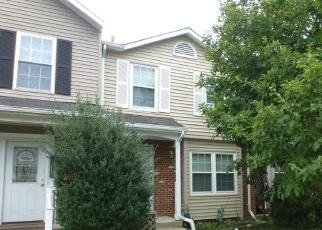 Foreclosed Home en CLOVERDALE RD, Woodbridge, VA - 22193