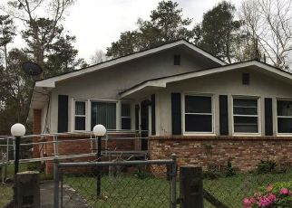 Foreclosed Home en CENTRAL AVE, Savannah, GA - 31406