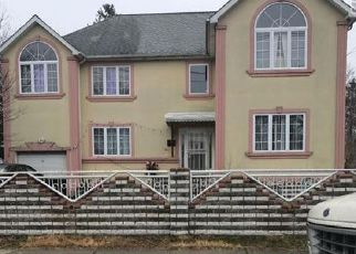 Foreclosed Home in ARCADIA AVE, Uniondale, NY - 11553