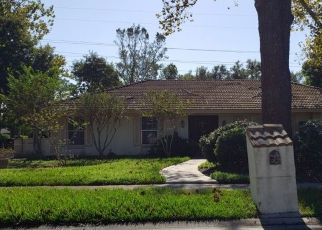 Foreclosed Home in BLUE LAKE DR, Longwood, FL - 32779