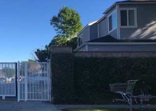 Foreclosed Home en IRONGATE LN, Santa Ana, CA - 92703