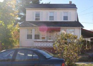 Foreclosed Home en GRAYSON ST, Springfield Gardens, NY - 11413