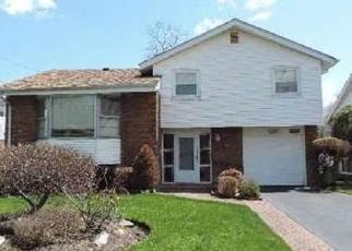 Casa en ejecución hipotecaria in Baldwin, NY, 11510,  BYRD PL ID: S70158672