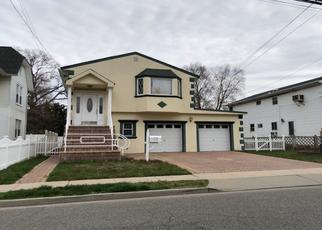 Foreclosed Home en PROSPECT ST, Baldwin, NY - 11510