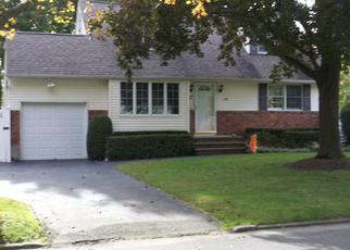 Casa en ejecución hipotecaria in Greenlawn, NY, 11740,  CHAUSER DR ID: S70161613