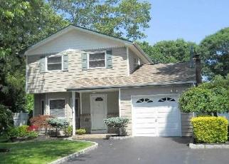 Casa en ejecución hipotecaria in Shirley, NY, 11967,  BIRCH HOLLOW DR ID: S70161655