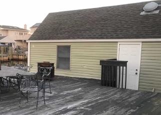 Foreclosed Home en MITCHELL AVE, Babylon, NY - 11702