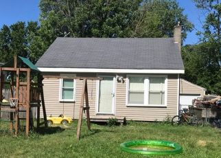Foreclosed Home en SCHUSTER AVE, Kalamazoo, MI - 49001
