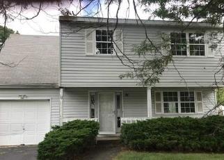 Casa en ejecución hipotecaria in Central Islip, NY, 11722,  CHERRY ST ID: S70168274