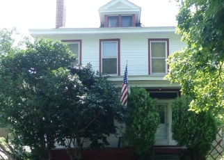 Foreclosed Home en W 24TH ST, Richmond, VA - 23225