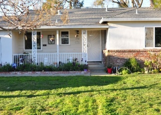 Foreclosed Home en 32ND AVE, Sacramento, CA - 95822