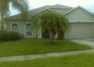 Foreclosed Home en VILLAGE BROOK DR, Riverview, FL - 33579
