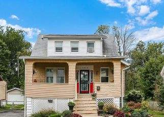 Foreclosed Home en BURGESS AVE, Baltimore, MD - 21214