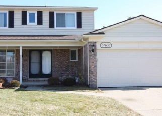 Foreclosed Home en TERICREST DR, Sterling Heights, MI - 48310