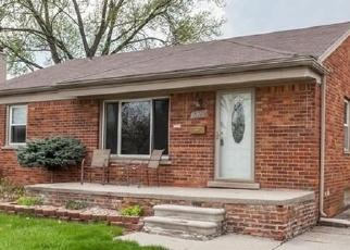 Foreclosed Home en CHURCHILL ST, Southgate, MI - 48195