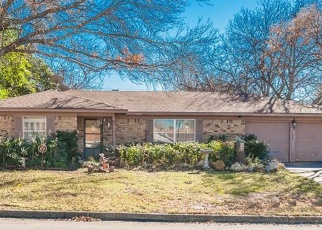 Foreclosed Home in WHITMAN AVE, Fort Worth, TX - 76133